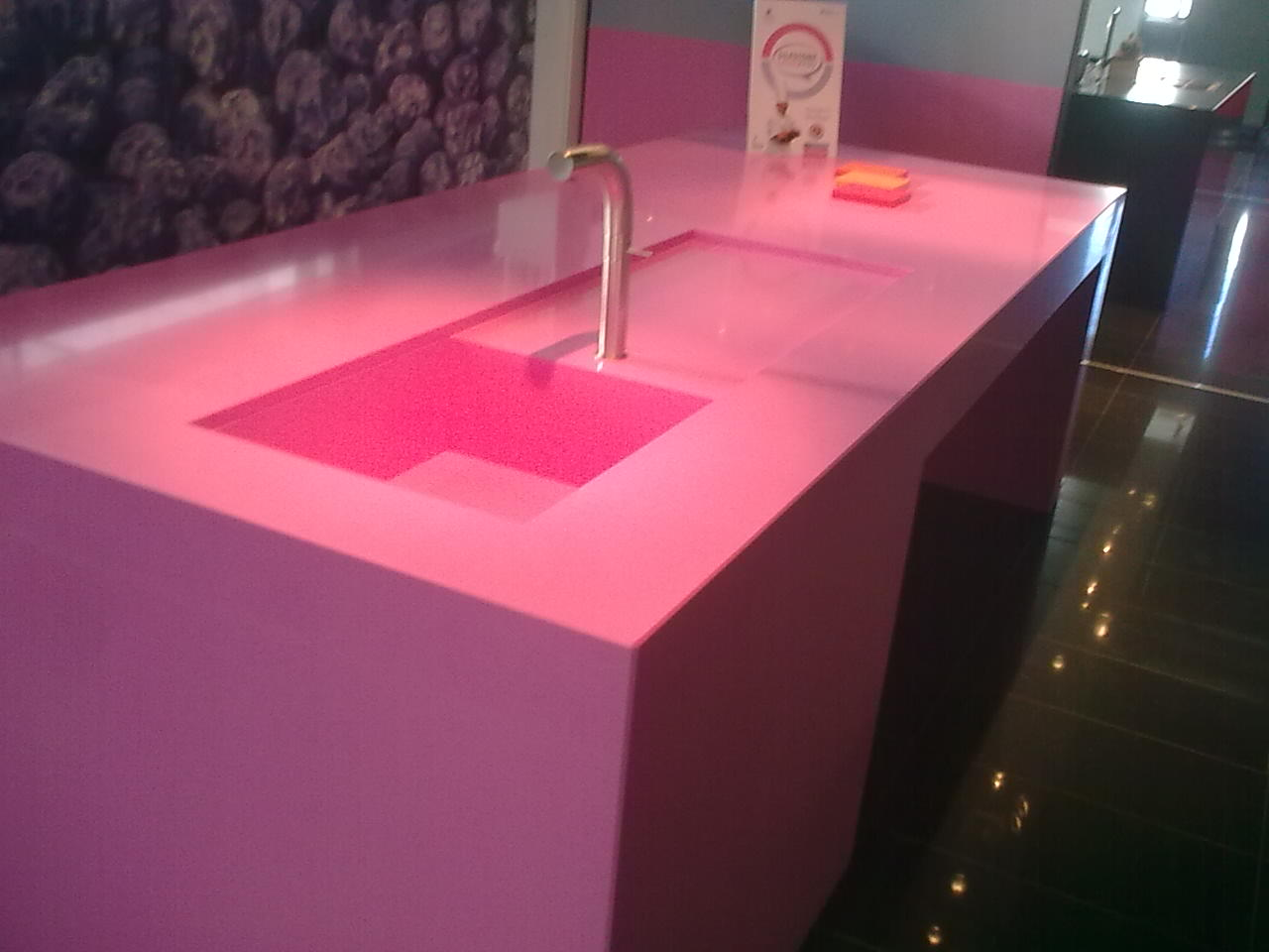 Encimera en Silestone You con fregadero y escurre integrado.